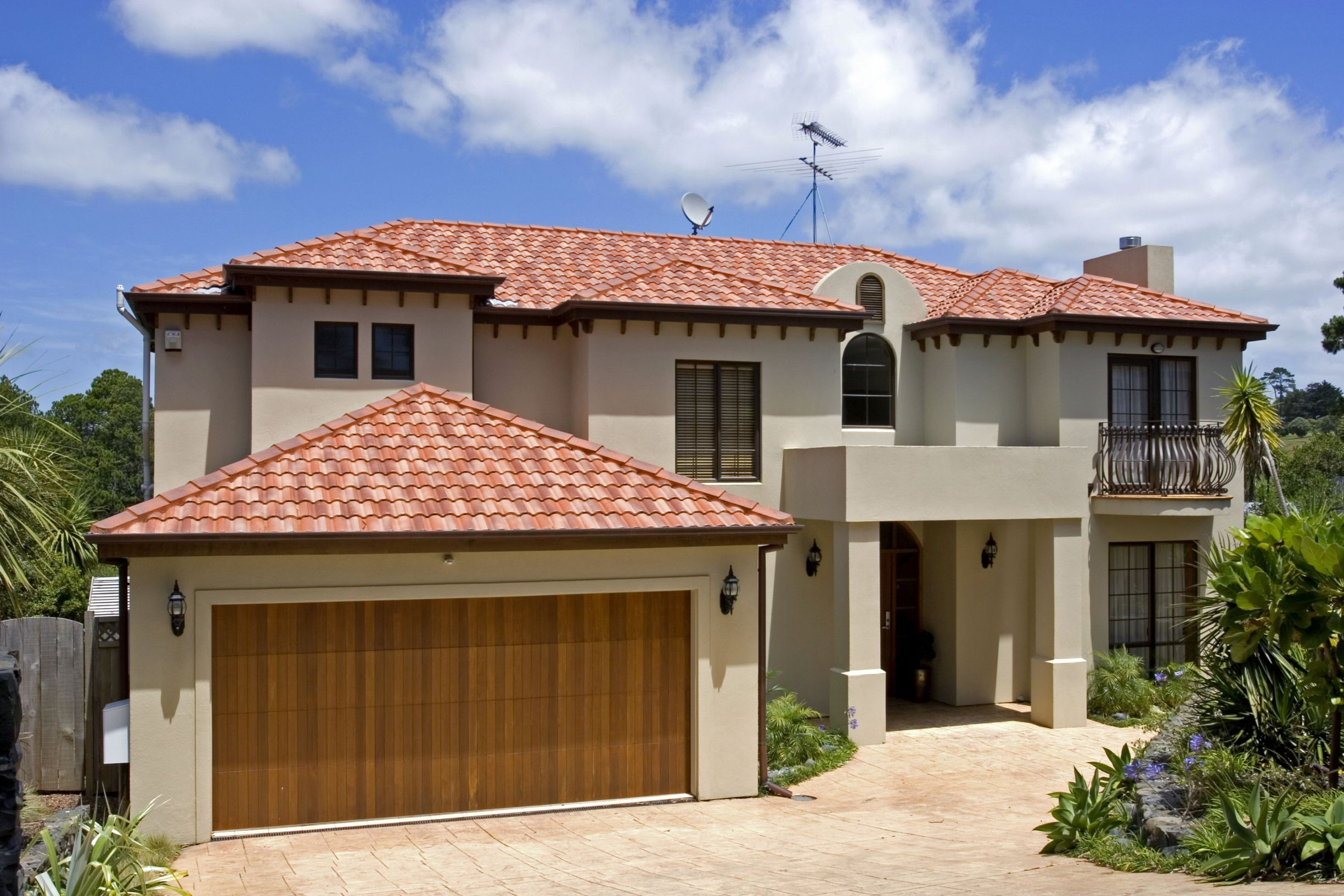 Signs That Your Home's Garage Door Could Use Some Repair