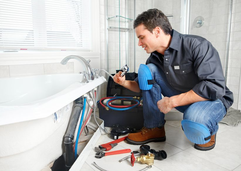 When to Call a Plumbing Contractor before Your Plumbing Gets Worse