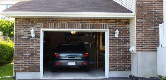 Options and Benefits of an Overhead Door in West Bloomfield, MI